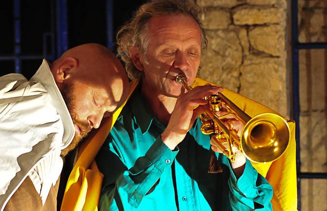 Sebastian Prantl performt Franz Hautzinger